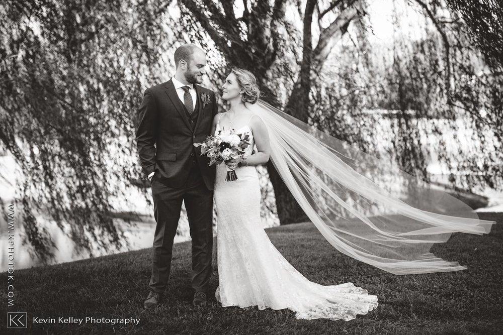barns-wesleyan-wedding-11.jpg
