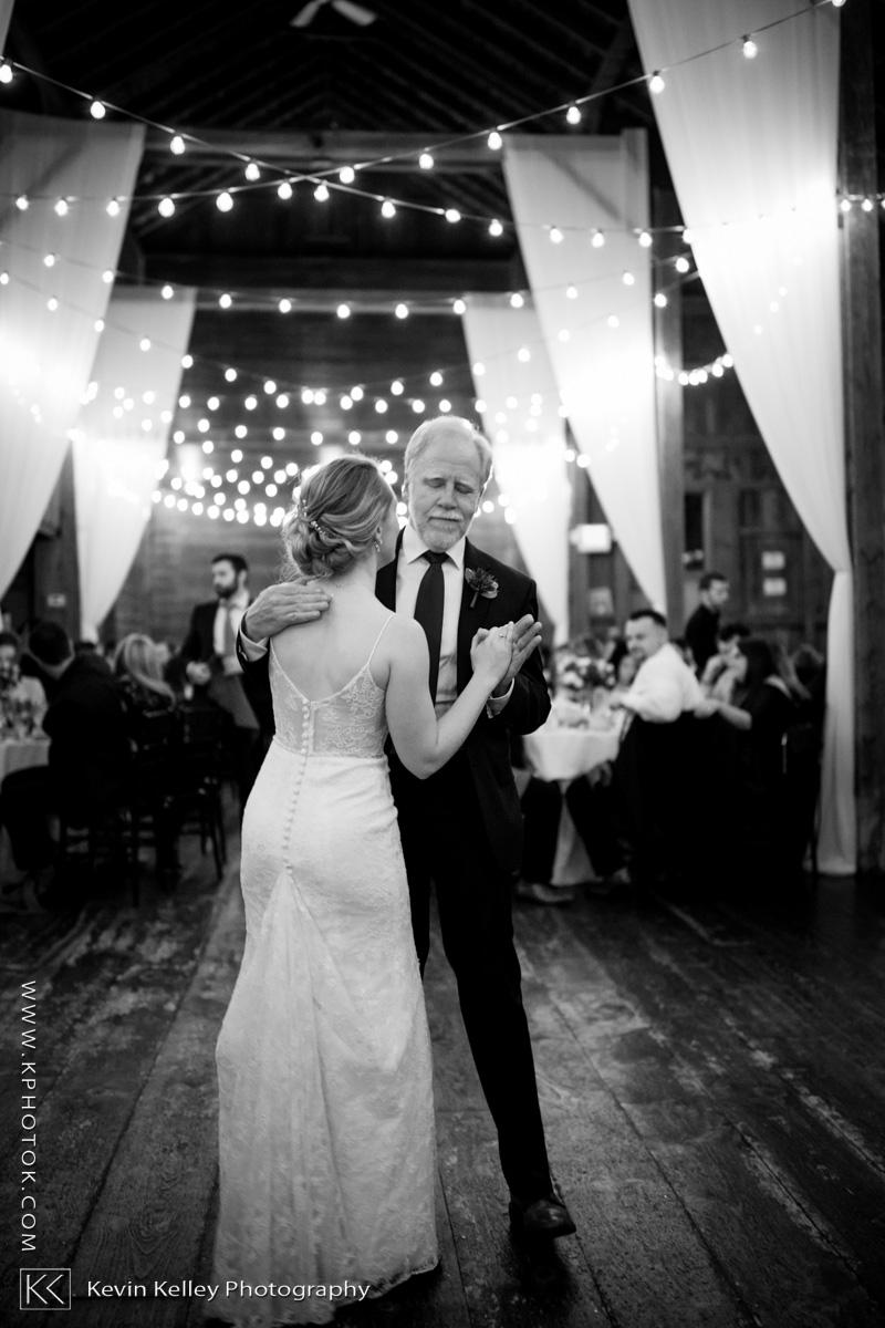 barns-wesleyan-wedding-23.jpg