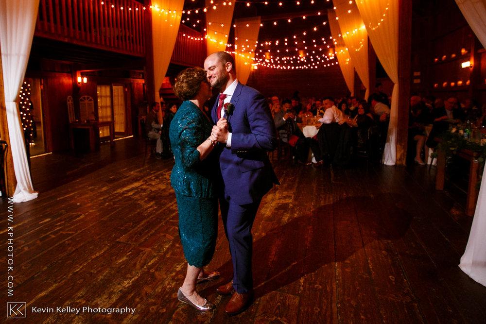 barns-wesleyan-wedding-24.jpg