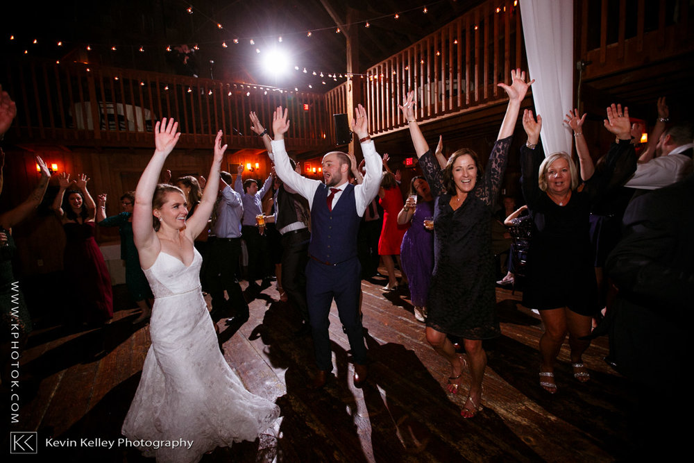barns-wesleyan-wedding-25.jpg