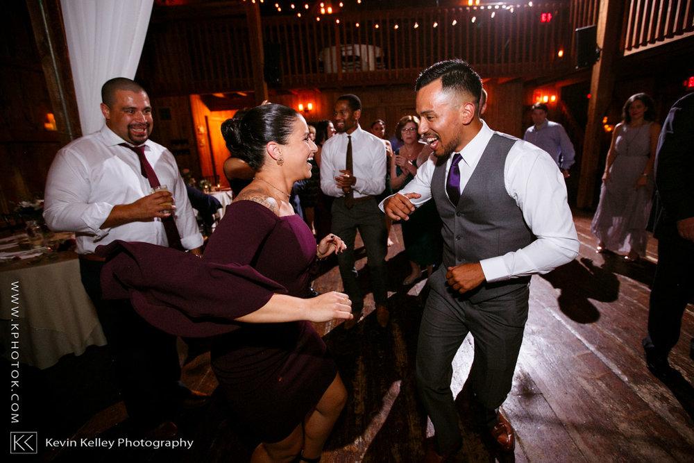 barns-wesleyan-wedding-26.jpg