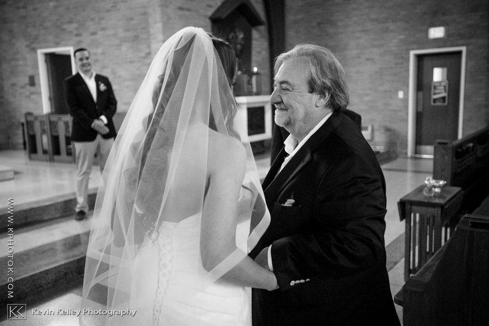 Laurel-Beach-Club-Milford-CT-wedding-2023.jpg