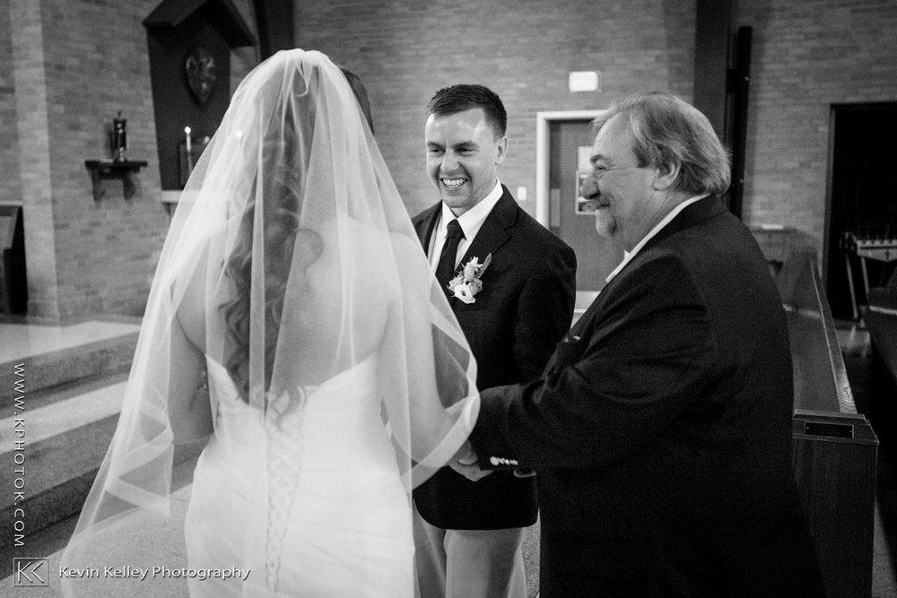Laurel-Beach-Club-Milford-CT-wedding-2024.jpg