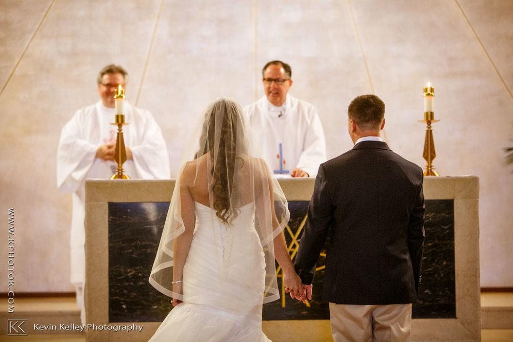 Laurel-Beach-Club-Milford-CT-wedding-2027.jpg