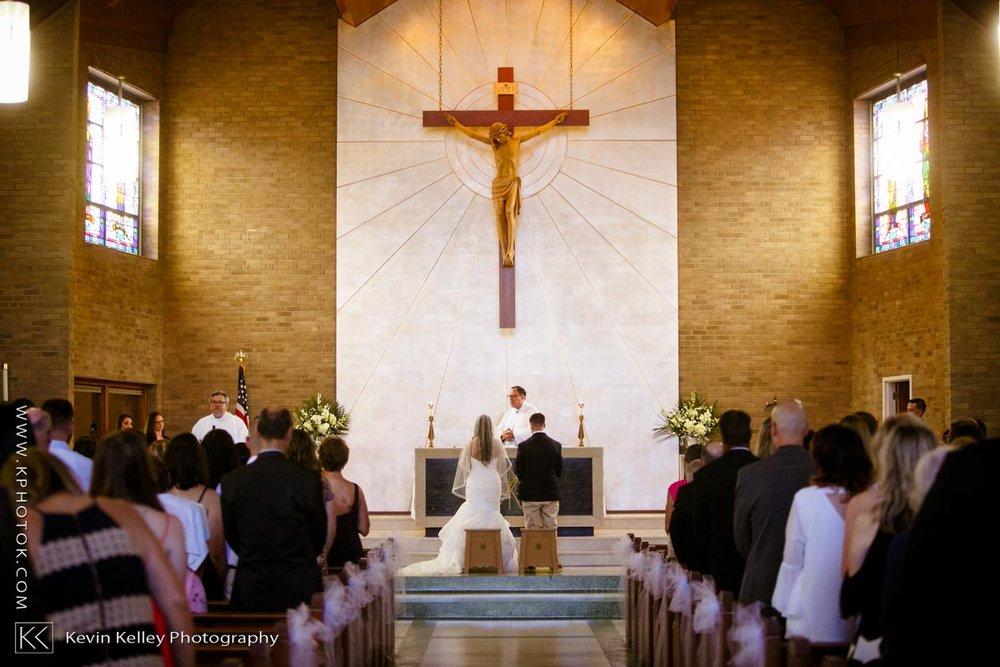 Laurel-Beach-Club-Milford-CT-wedding-2029.jpg