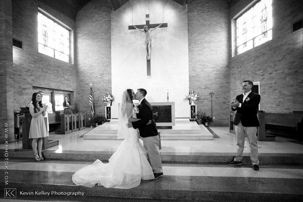 Laurel-Beach-Club-Milford-CT-wedding-2030.jpg