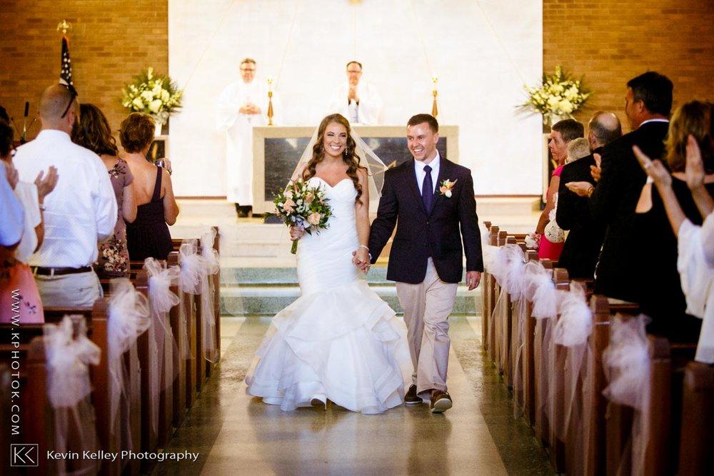 Laurel-Beach-Club-Milford-CT-wedding-2031.jpg