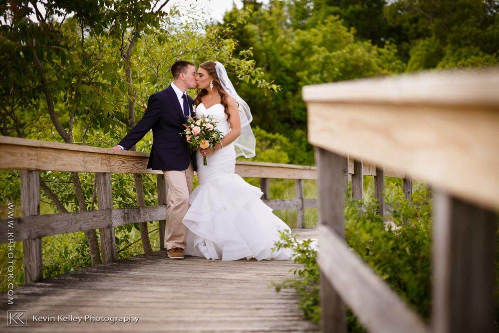 Laurel-Beach-Club-Milford-CT-wedding-2037.jpg