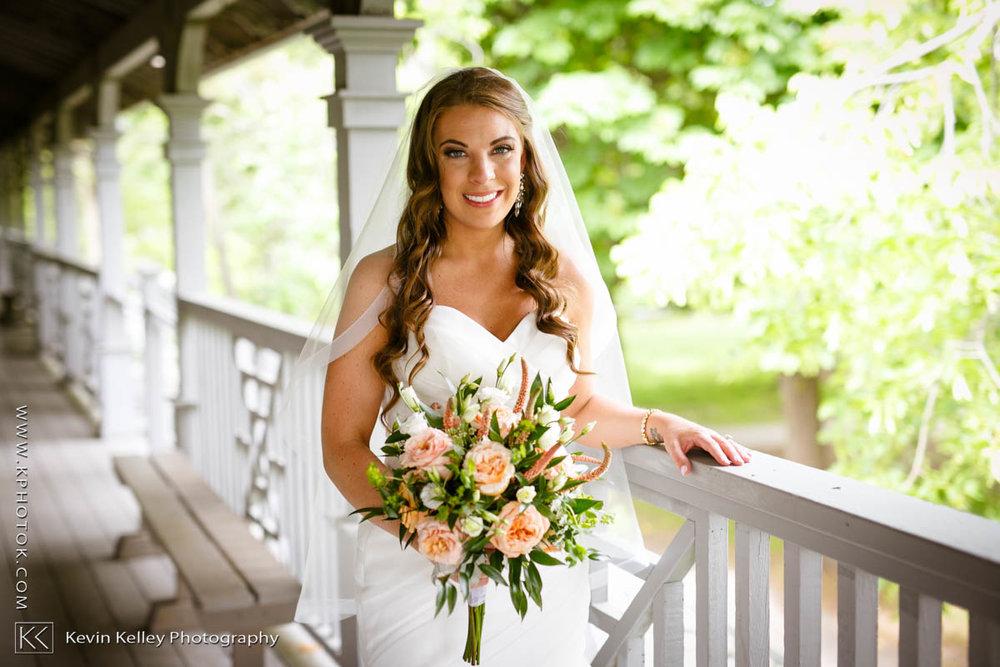 Laurel-Beach-Club-Milford-CT-wedding-2040.jpg