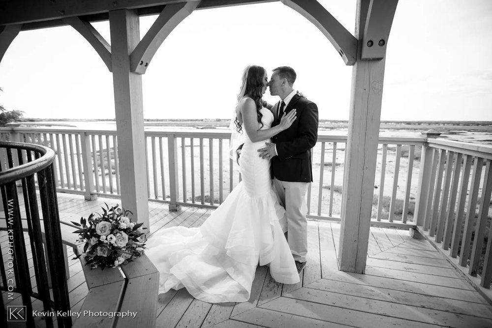 Laurel-Beach-Club-Milford-CT-wedding-2042.jpg
