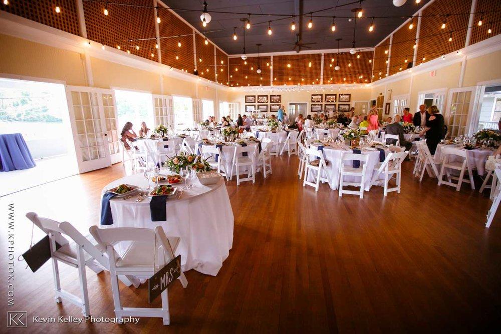 Laurel-Beach-Club-Milford-CT-wedding-2050.jpg