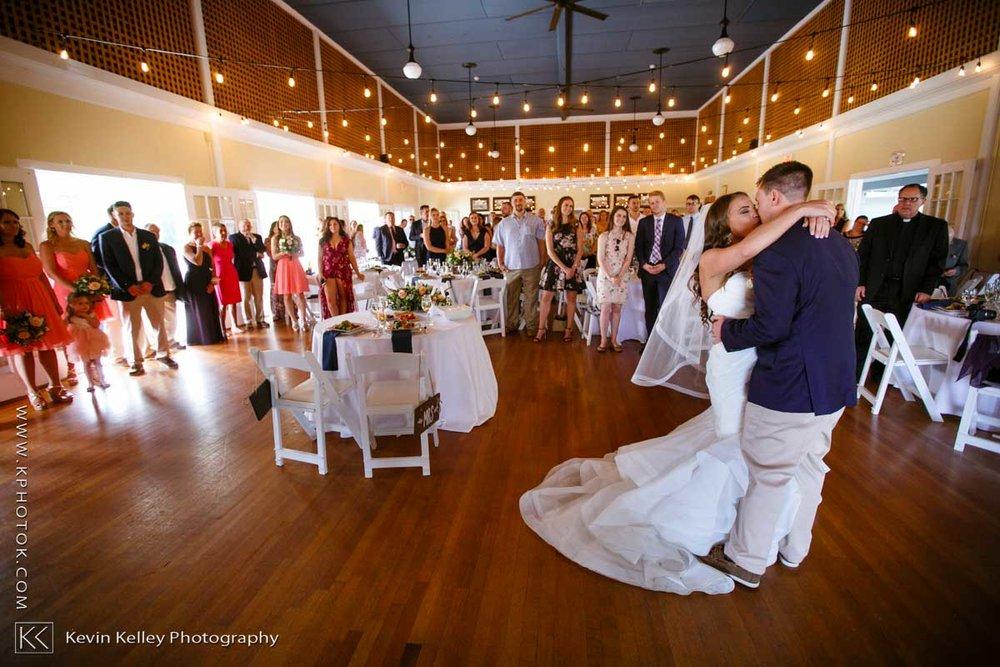 Laurel-Beach-Club-Milford-CT-wedding-2052.jpg