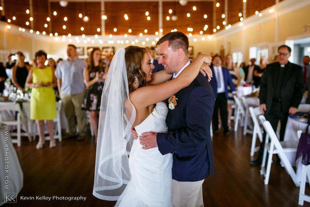 Laurel-Beach-Club-Milford-CT-wedding-2055.jpg