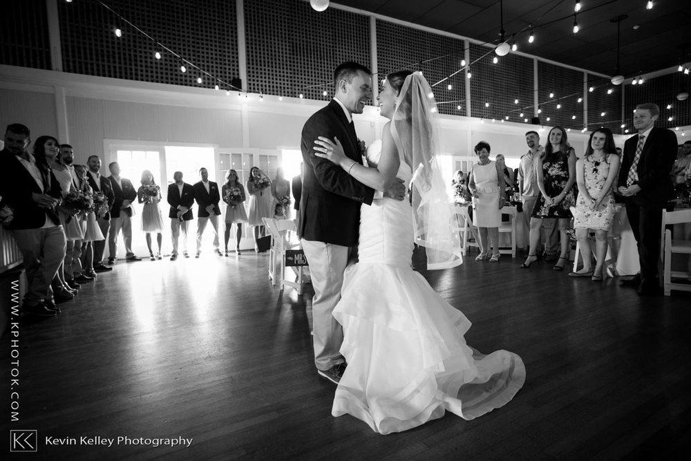 Laurel-Beach-Club-Milford-CT-wedding-2056.jpg