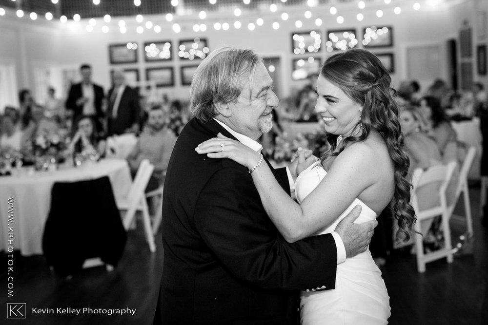 Laurel-Beach-Club-Milford-CT-wedding-2058.jpg