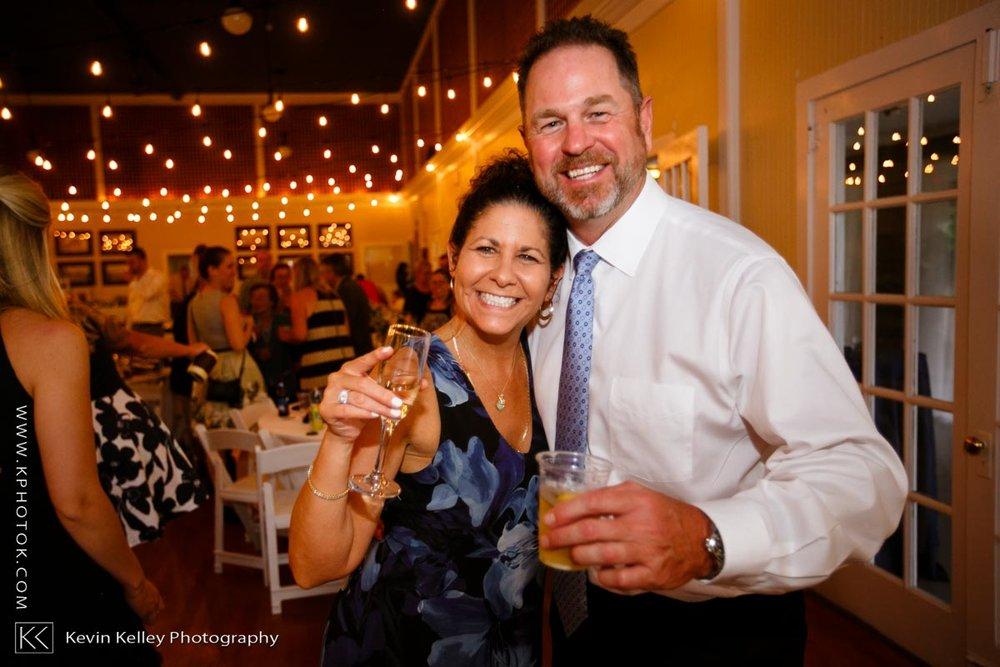 Laurel-Beach-Club-Milford-CT-wedding-2059.jpg