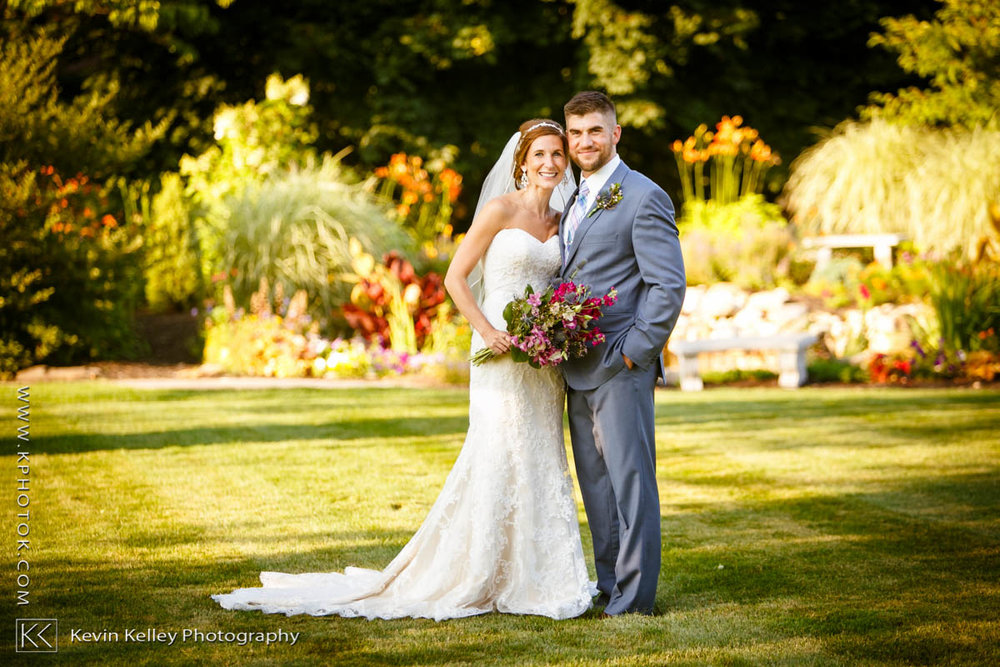farmington-gardens-wedding-hillstead-museum-2019.jpg
