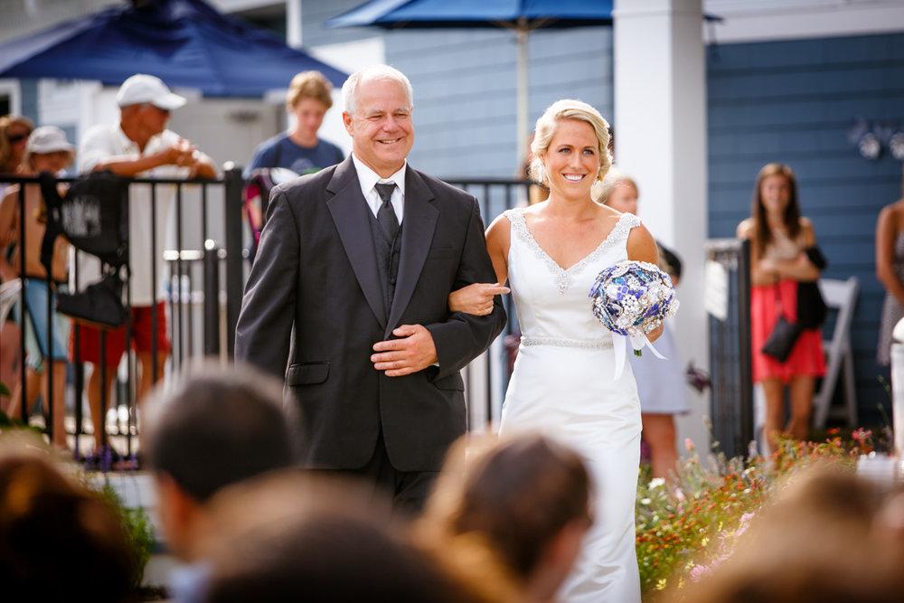 Pine-orchard-yacht-club-wedding-laura-ernesto-2014.jpg