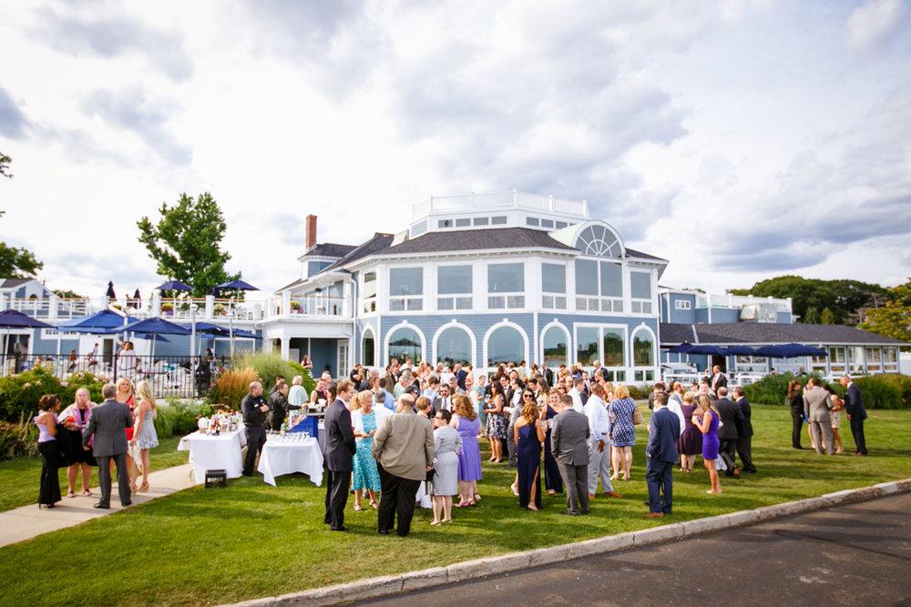 Pine-orchard-yacht-club-wedding-laura-ernesto-2019.jpg