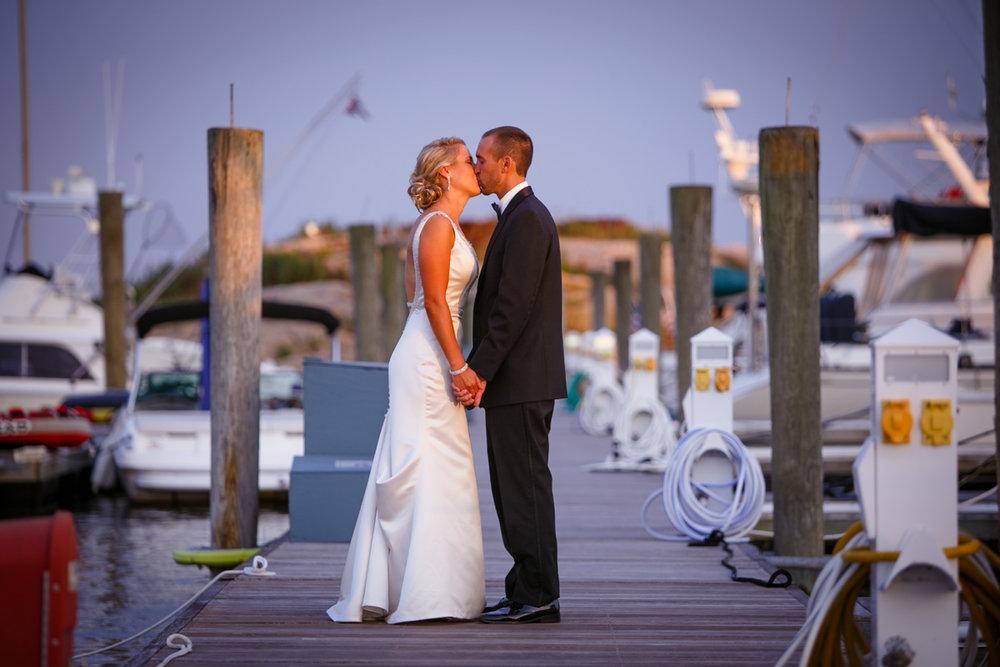 Pine-orchard-yacht-club-wedding-laura-ernesto-2024.jpg