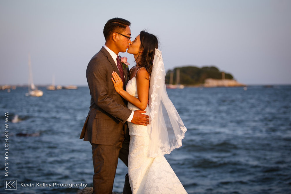 Madison-beach-hotel-wedding-connecticut-jen-ron-2011.jpg
