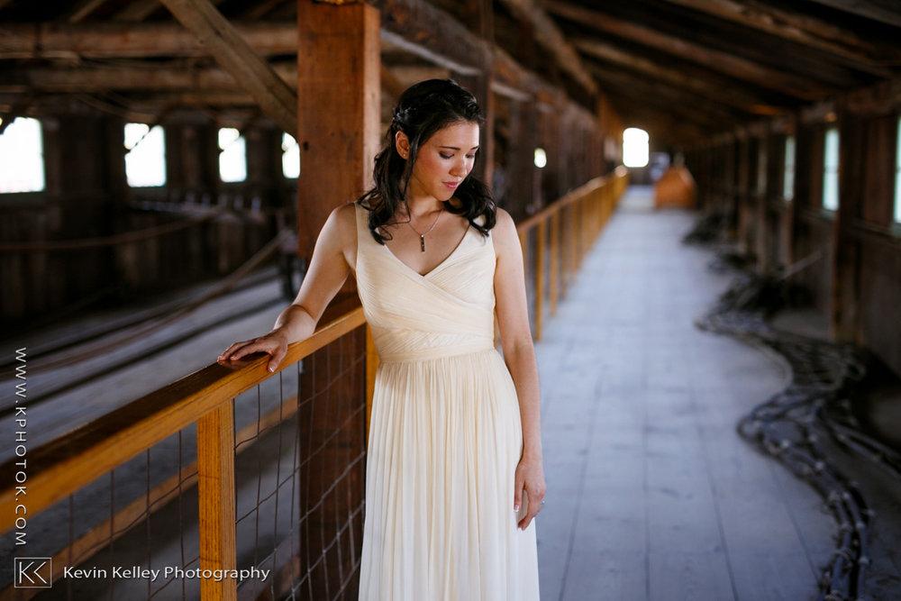 mystic-seaport-boat-shed-wedding-photos-2006.jpg