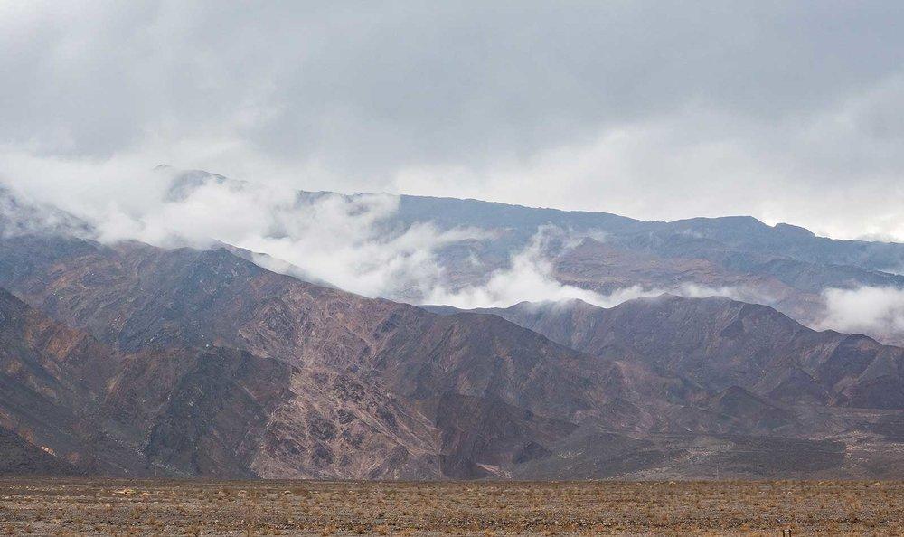 Death-Valley-Mountains-01.jpg
