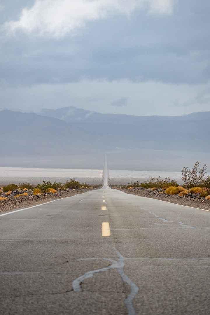 Death-Valley-Road.jpg