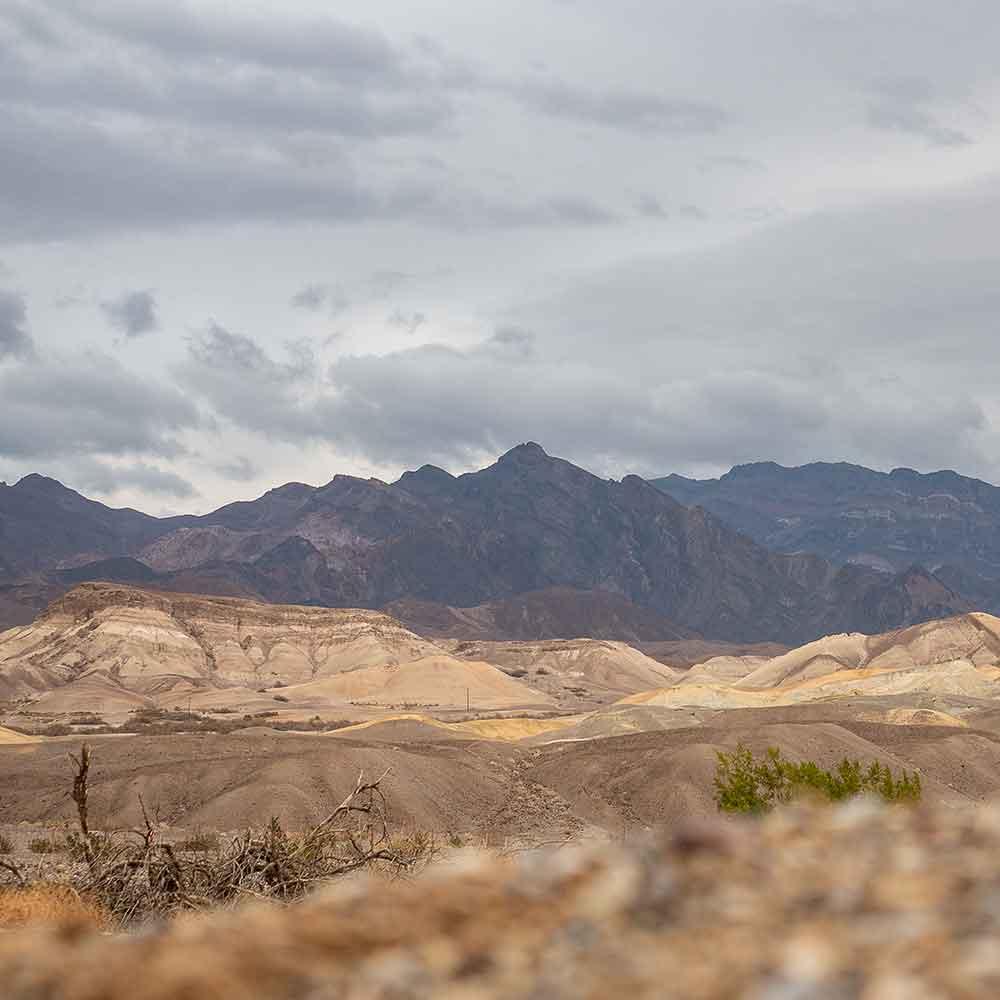 Death-Valley-Mountains-02.jpg