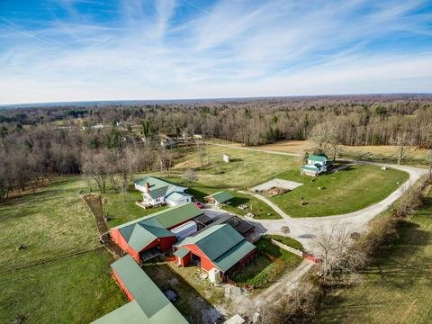 Fully functioning farm for sale in Sunbright, TN.