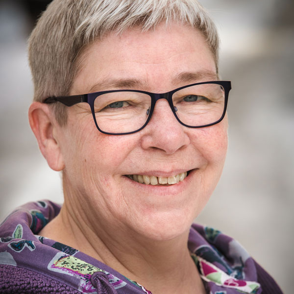 Marie Devine  Programsamordnare för Storbrittanien Storbritannie
