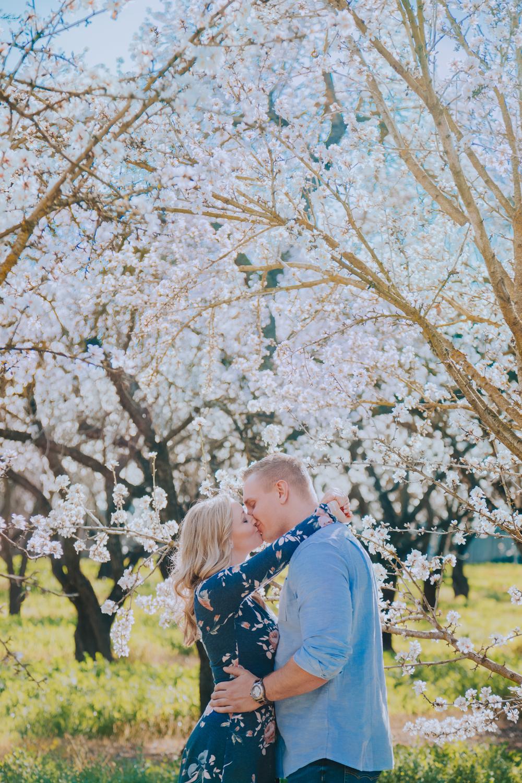 Engagement-photoshoot-chico-sacramento-blooming-orchard0-4.jpg