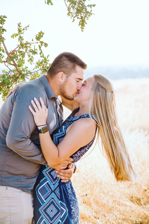 Couple-photoshoot-in-Chico-Upper-Bidwell-Park-1.jpg