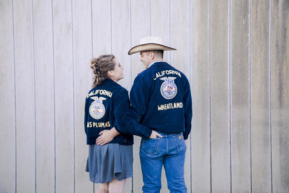 Couple-photoshoot-chico-live-oak-ranch12.jpg