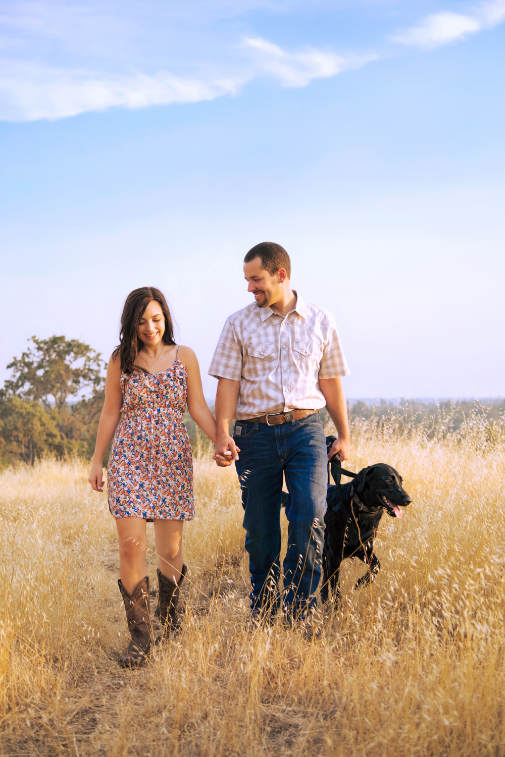 Engagement-with-Dog-photography-Upper-Bidwel-Park-Chico-11-2.jpg