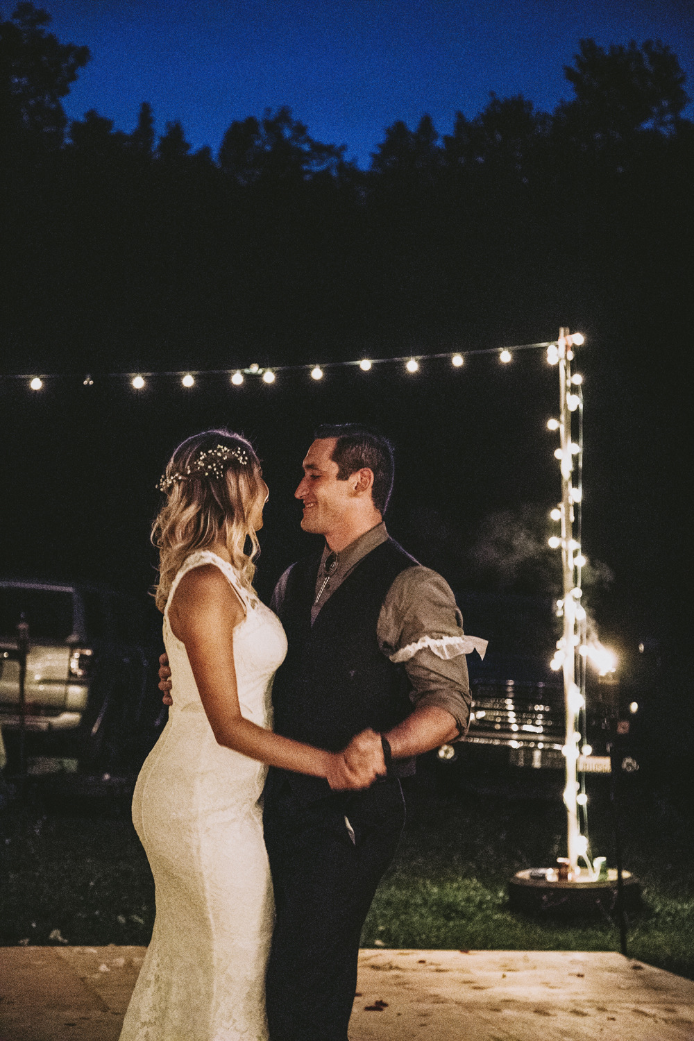 Rustic-Forest-Country-Wedding-Chico-CARustic-Forest-Country-Wedding-Chico-CA3-2.jpg
