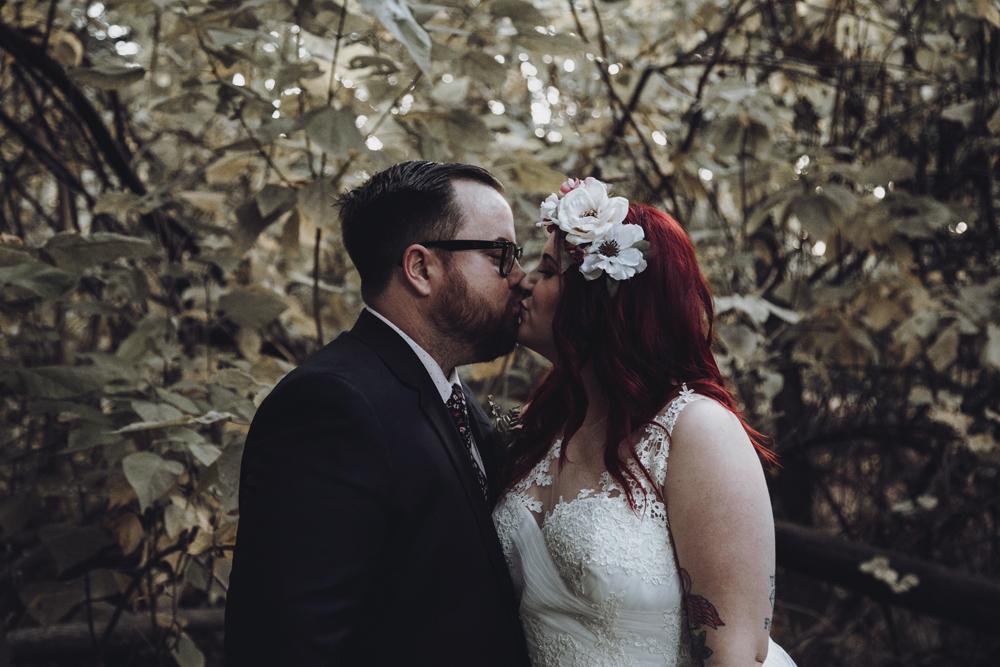 Wedding-photographer-at-Creekside-Rose-Garden-Chico-CAWedding-photographer-at-Creekside-Rose-Garden-Chico-CA5-3.jpg