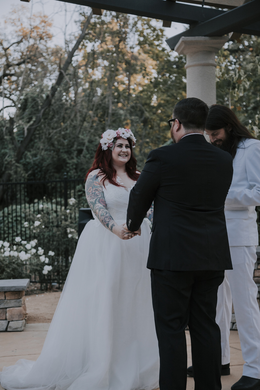 Wedding-photographer-at-Creekside-Rose-Garden-Chico-CA82.jpg