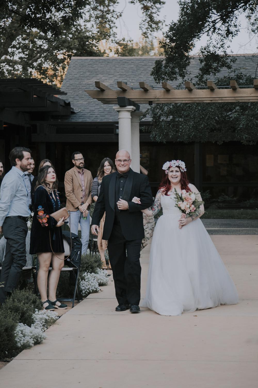 Wedding-photographer-at-Creekside-Rose-Garden-Chico-CA75.jpg