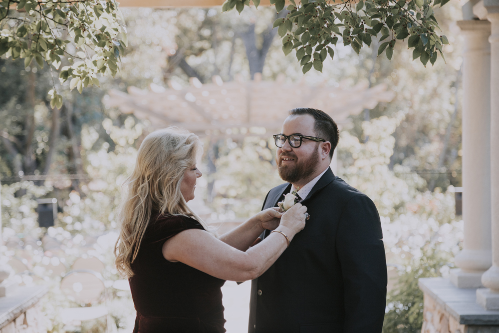 Wedding-photographer-at-Creekside-Rose-Garden-Chico-CA35.jpg