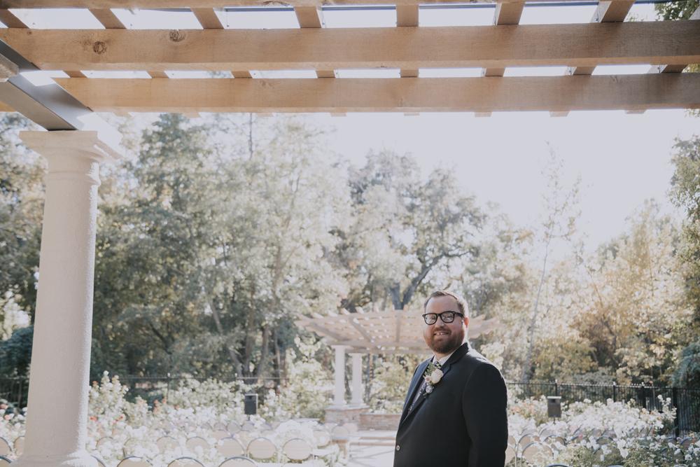Wedding-photographer-at-Creekside-Rose-Garden-Chico-CA33.jpg