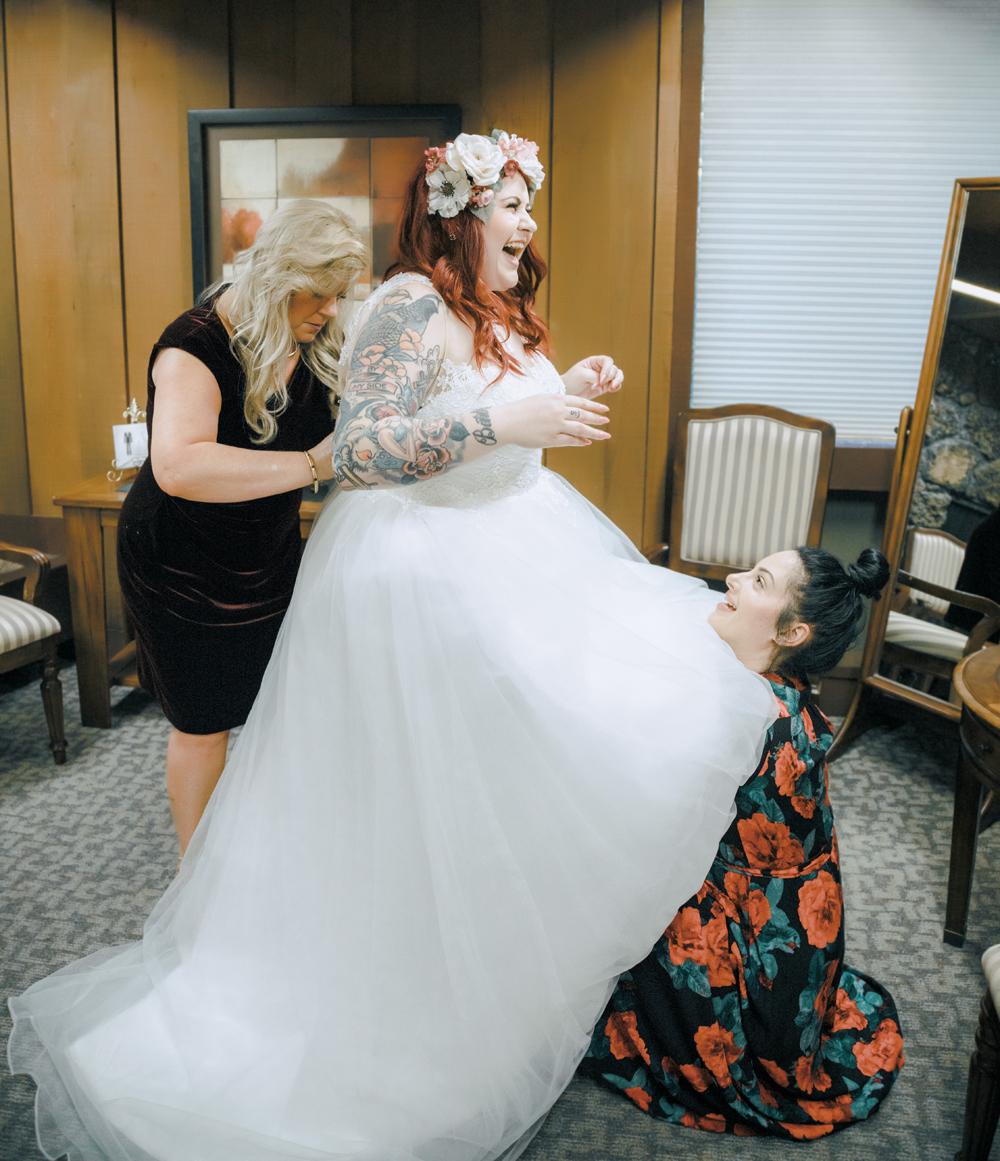 Wedding-photographer-at-Creekside-Rose-Garden-Chico-CA54.jpg