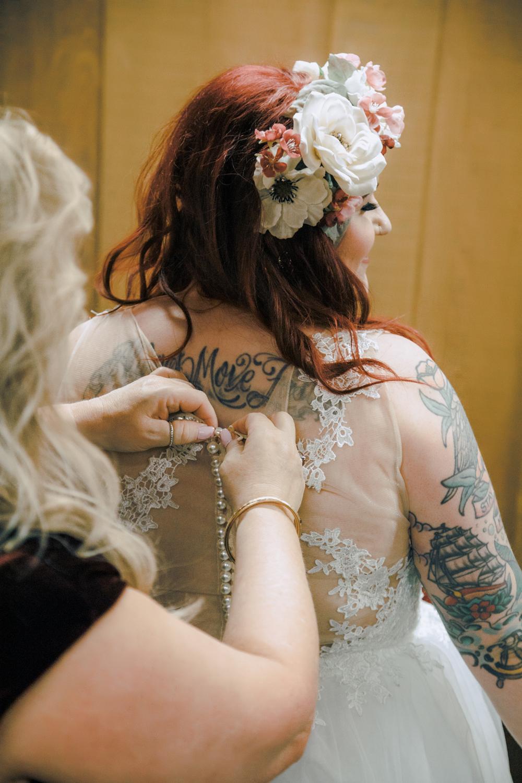 Wedding-photographer-at-Creekside-Rose-Garden-Chico-CA56.jpg