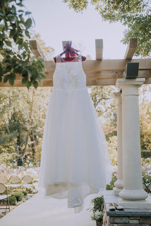 Wedding-photographer-at-Creekside-Rose-Garden-Chico-CA45.jpg