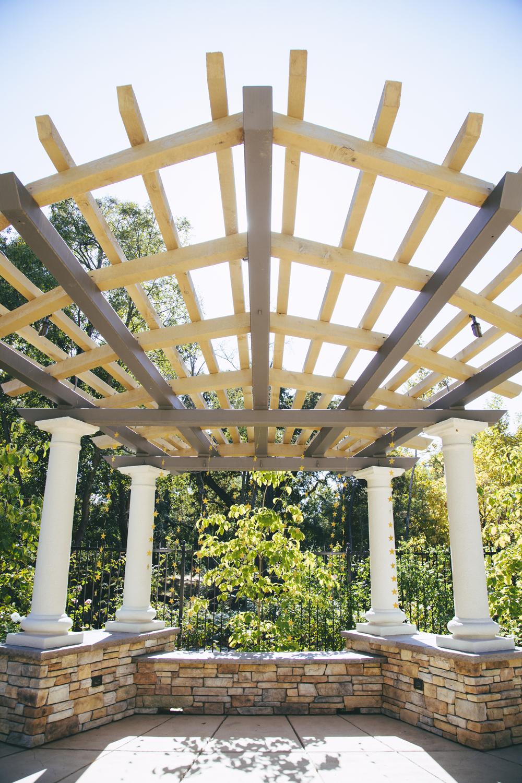 Wedding-photographer-at-Creekside-Rose-Garden-Chico-CA21.jpg