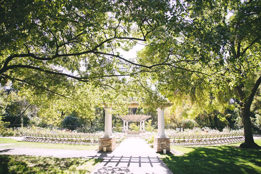 Wedding-photographer-at-Creekside-Rose-Garden-Chico-CAWedding-photographer-at-Creekside-Rose-Garden-Chico-CA3.jpg