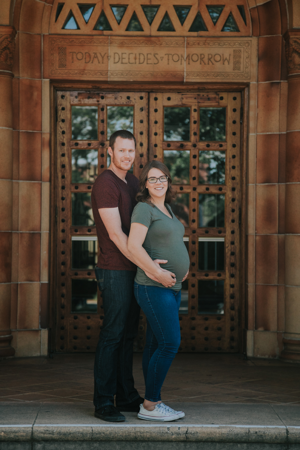 Downtown-Chico-and-Upper-Bidwell-Park-Maternity-photos09.jpg