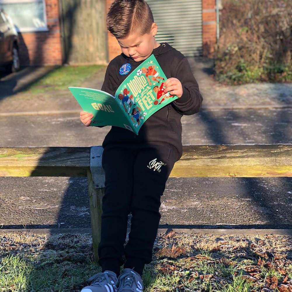 When you really have got The World At Your Feet! 💙⚽️👣 Loves his new book! - @ayersey10