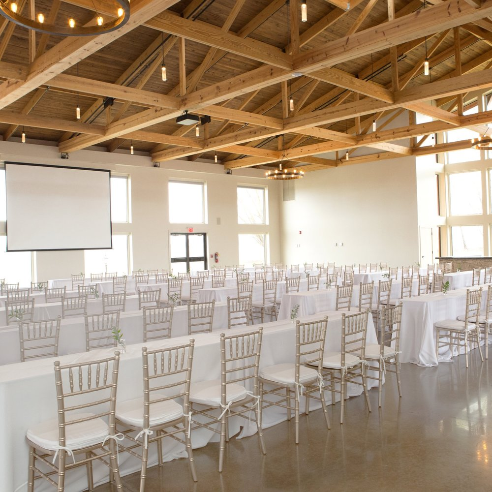 CORPORATE - Pear Tree Estate offers the flexibility of two sound proof rooms or one large room with multiple configurations available. The back patio makes an excellent area for breaks to recharge between sessions as well. Room is equipped with televisions, projectors and microphones for a seamless corporate event.
