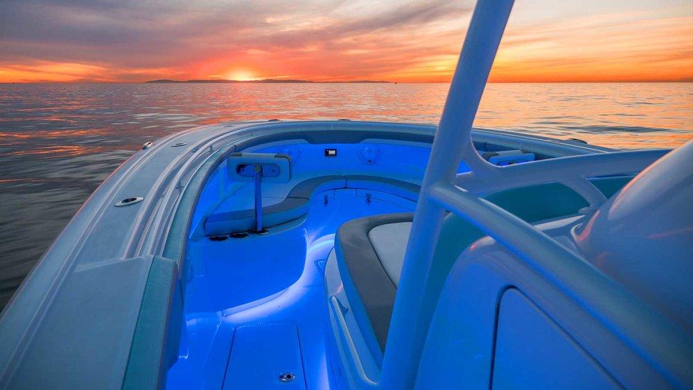 hull-custom-light-design-yachts.jpg
